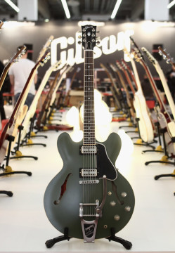 Gibson Presents Min-ETune At Frankfurt Music Fair